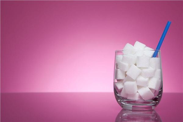Чем вредна газированная вода и сладкие напитки?
